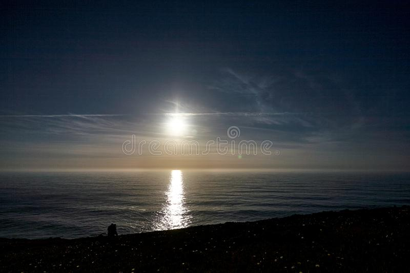 Portugal de exploração Oceano de Cabo a Dinamarca Roca e landsc do Mountain View imagens de stock