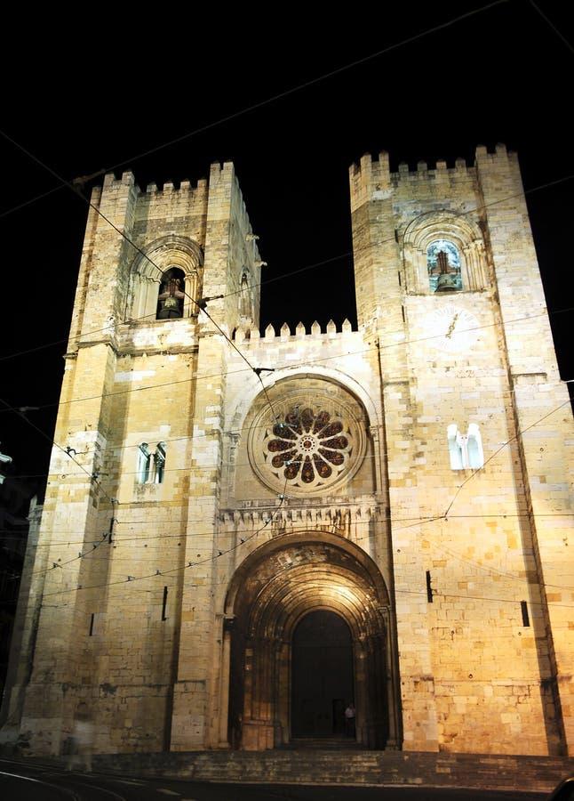 portugal för domkyrkalisbon natt se arkivfoton