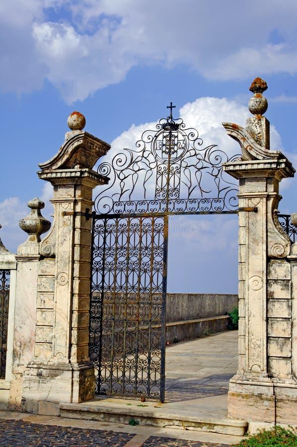 Portugal, gebied van Alentejo, Estremoz: De deur van het ijzer stock afbeeldingen