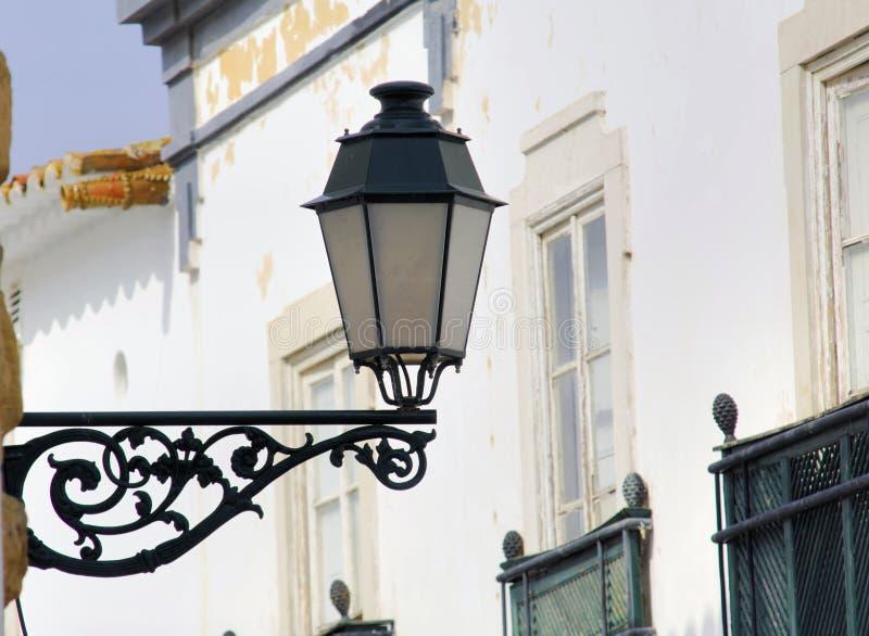 Portugal, gebied van Algarve, Faro: Typische lantaarnpaal royalty-vrije stock foto's