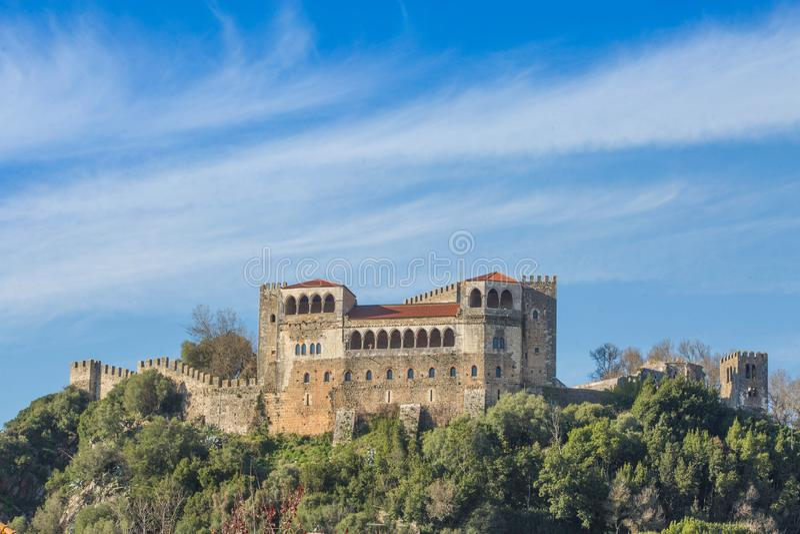 PORTUGAL- - LEIRIA-SCHLOSS - 5. DEZEMBER lizenzfreie stockfotos