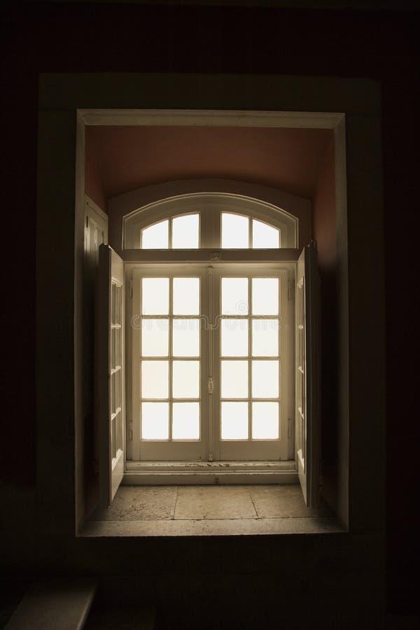 Portugal Lizbońskiego wewnętrznego okno obrazy royalty free