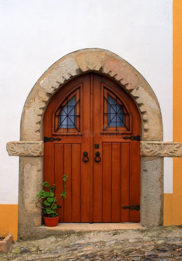 Portugal, o Alentejo, Castelo de Vide Entrada de pedra medieval foto de stock