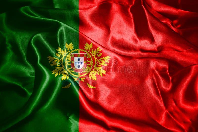 Portugal-Staatsflagge mit Wappen wellenartig bewegend in den Wind 3D I stockbilder