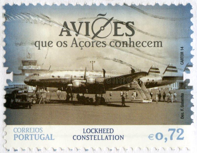 PORTUGAL - 2014: zeigt Lockheed-Konstellation, das Flugzeug, das die Azoren-Inseln bekannt ist lizenzfreie stockfotografie