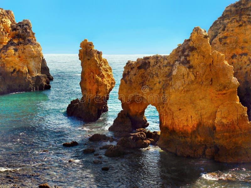 Portugals kuster i Algarve arkivfoto