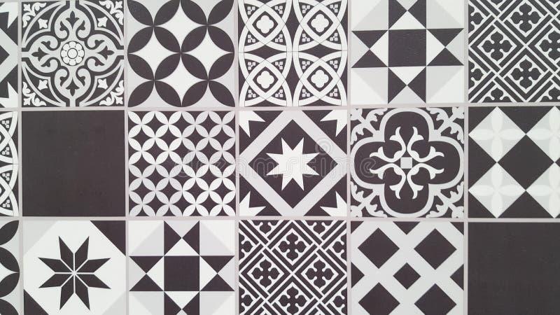Portugees de tegelontwerp van Lissabon van het tegelspatroon naadloos zwart-wit in Azulejos-geometrische wijnoogst stock foto