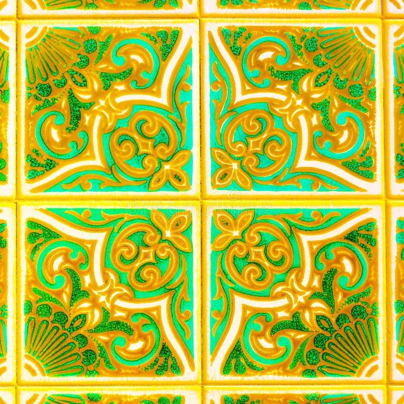 Portugese Retro Verglaasde Tegels met Geometrisch Patroon, Met de hand gemaakte Azulejos, de Straatkunst van Portugal, Abstracte  stock fotografie