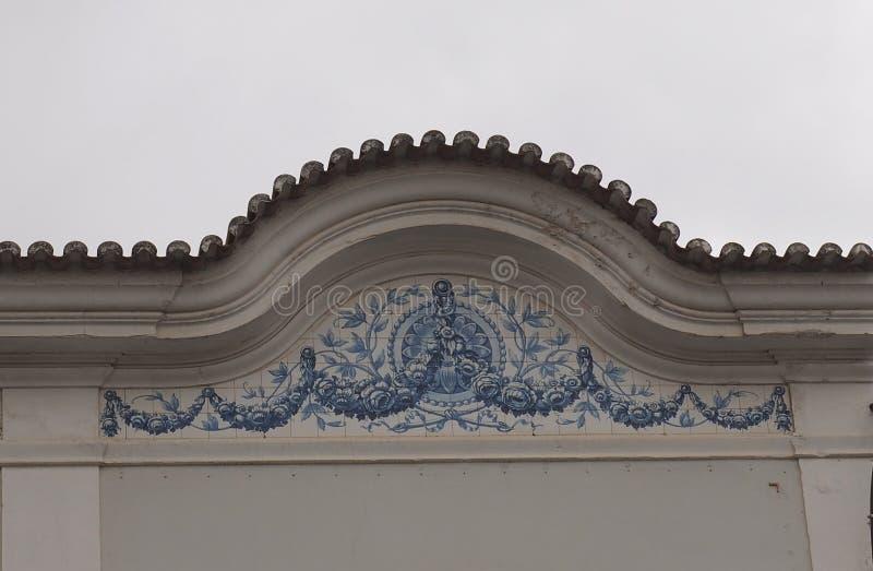 Portugiesische Architektur in Loule Portugal lizenzfreie stockbilder