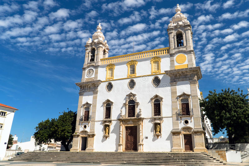 Portugiesisches Carmelite Kirchen-Äußeres stockbilder