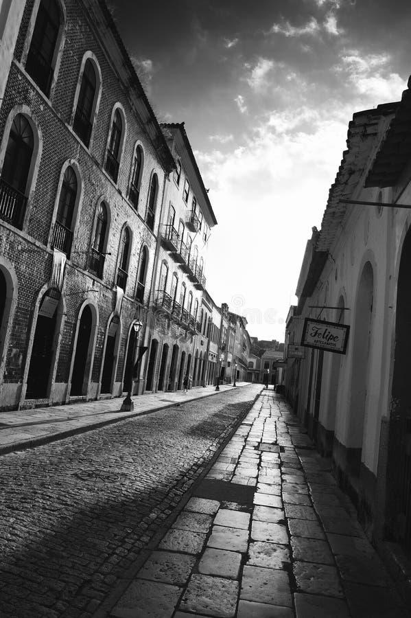 Portugisisk brasiliansk kolonial arkitekturRua Portugal Sao Luis Brazil royaltyfria foton