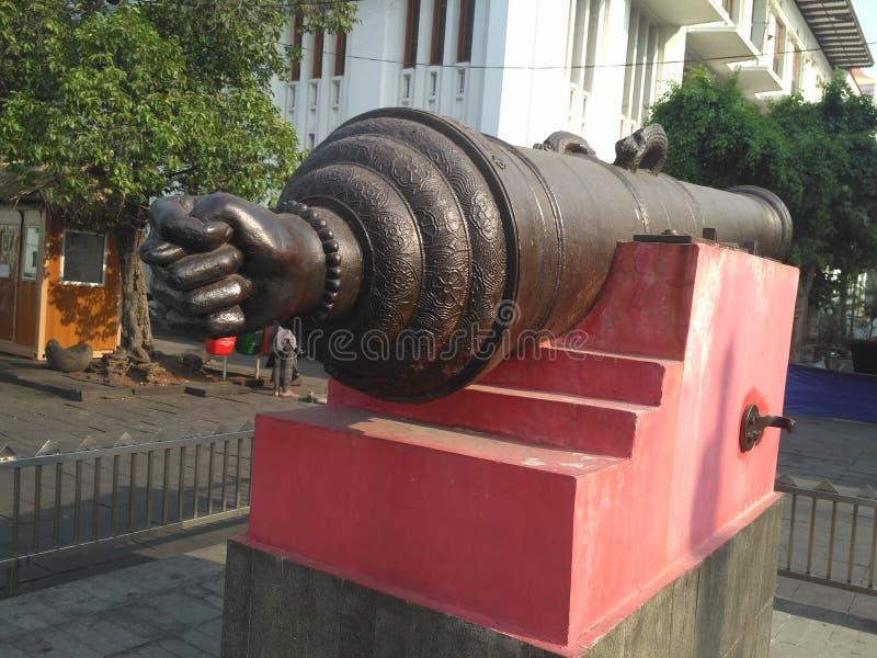 Portugisisk tumme Canon på Jakarta den gamla staden royaltyfri bild