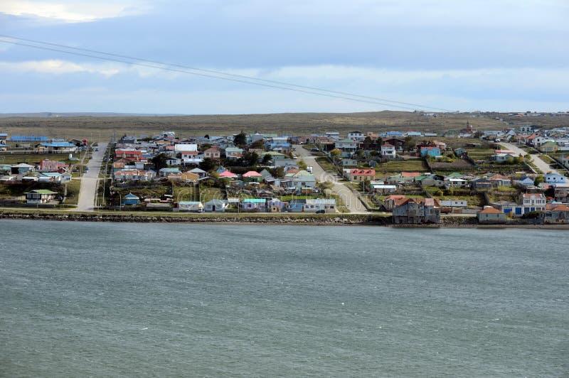Porvenir es un pueblo en Chile en la isla de Tierra del Fuego fotos de archivo