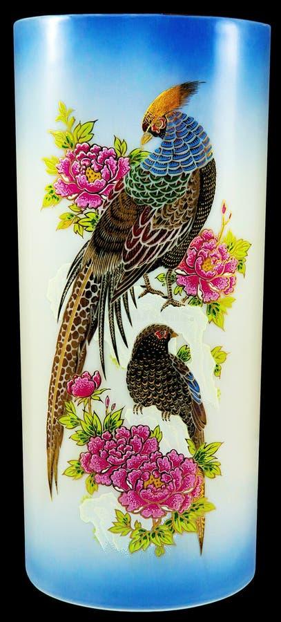 Porzellanvasenvögel und -blumen lizenzfreies stockfoto