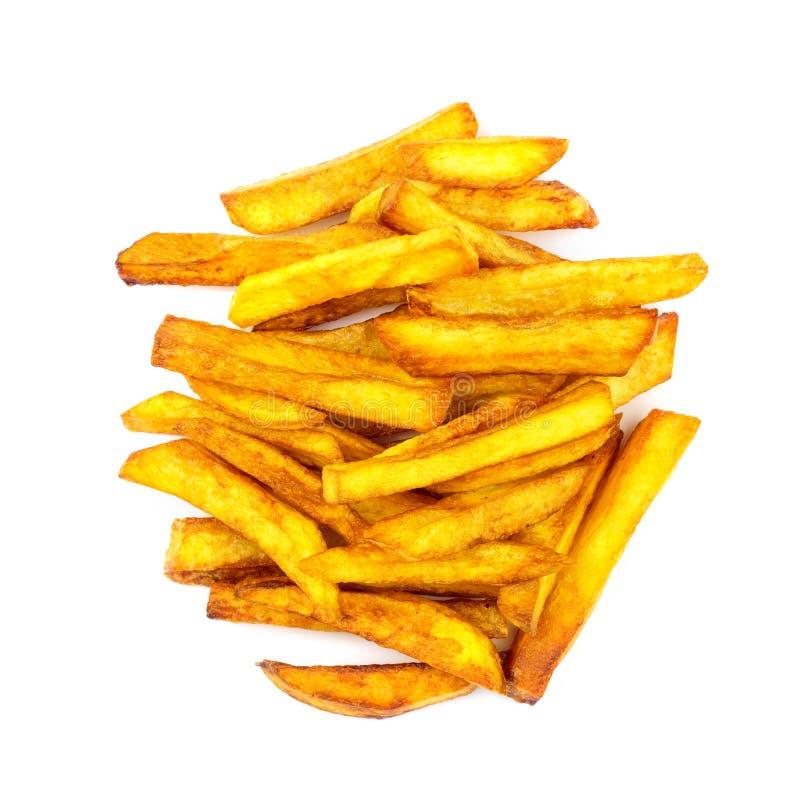 Porzione casalinga degli alimenti a rapida preparazione di patate fritte isolate su fondo bianco, vista superiore immagini stock
