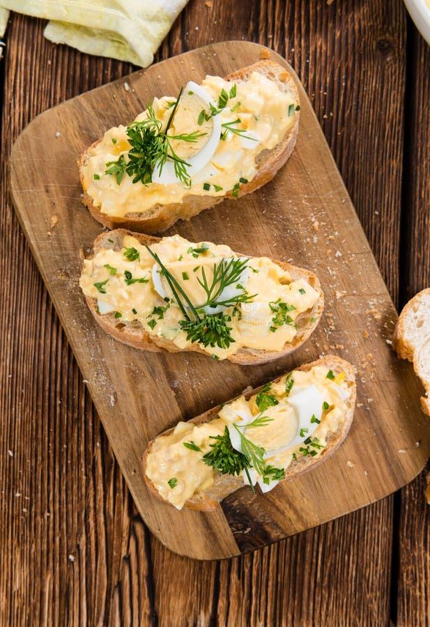 Porzione di insalata dell'uovo fotografia stock libera da diritti