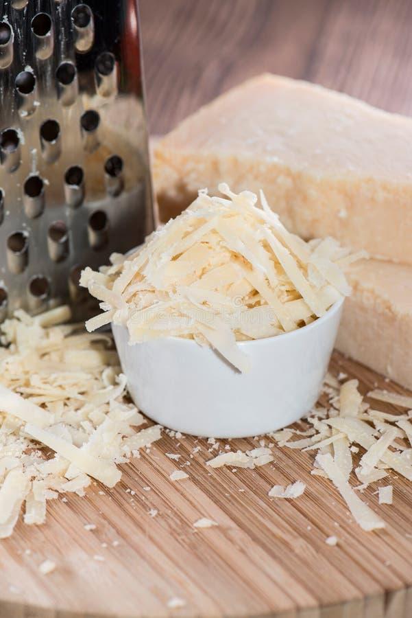 Porzione di parmigiano immagine stock libera da diritti