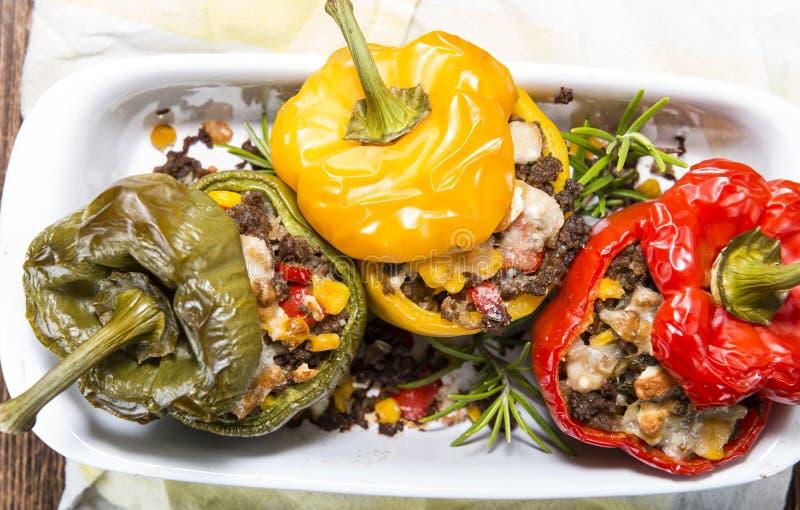 Porzione di peperoni farciti immagine stock