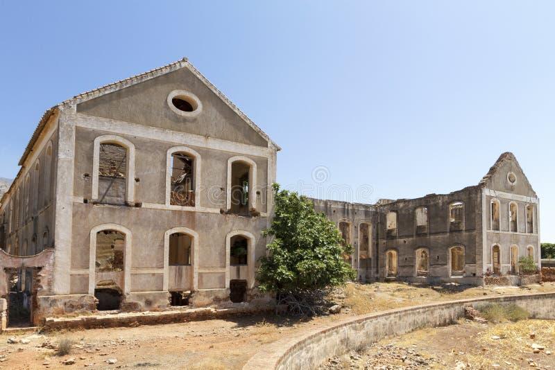 Porzucona fabryka w Hiszpania zdjęcia stock