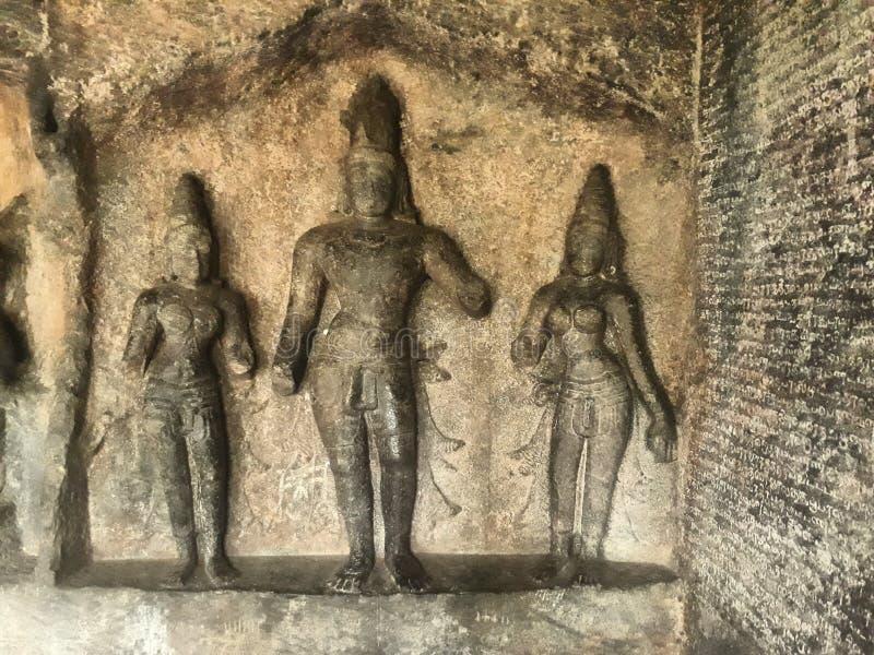 Posągi grawerowane w świątyni w Tamilnadu India Nazwa świątyni to skalna ścięta świątynia jaskini obraz stock