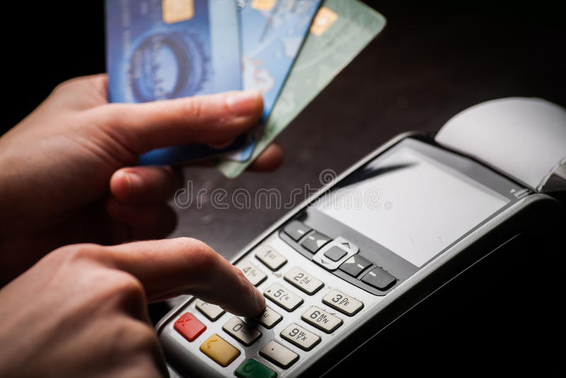 POS και πιστωτικές κάρτες στοκ φωτογραφία με δικαίωμα ελεύθερης χρήσης