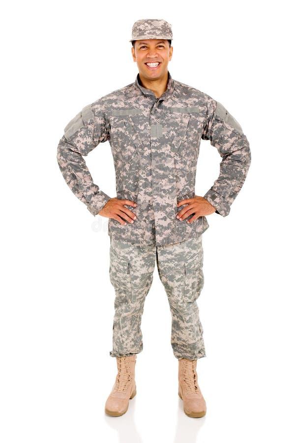 Posa del soldato dell'esercito immagini stock libere da diritti