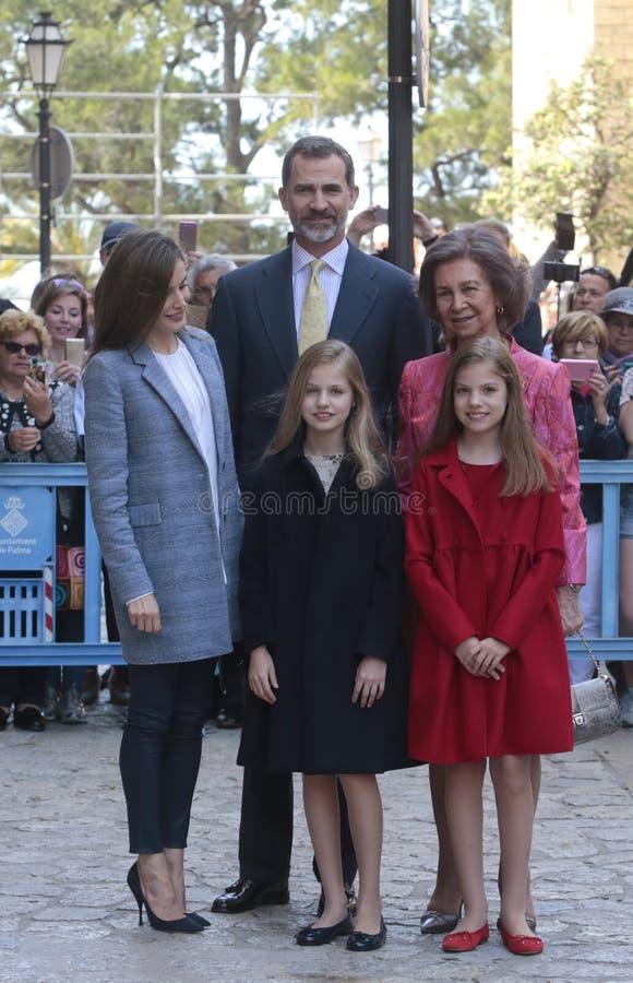 Pose de famille royale de l'Espagne dans Majorca image stock
