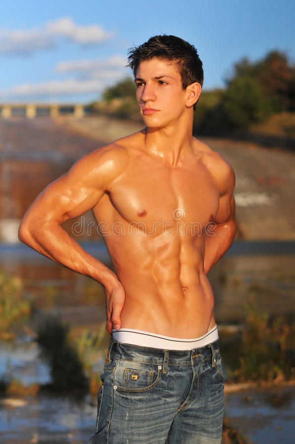 Pose mâle de modèle photo stock