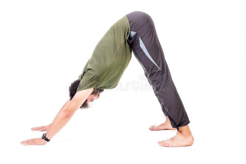 Pose orientée vers le bas de yoga de crabot photos stock