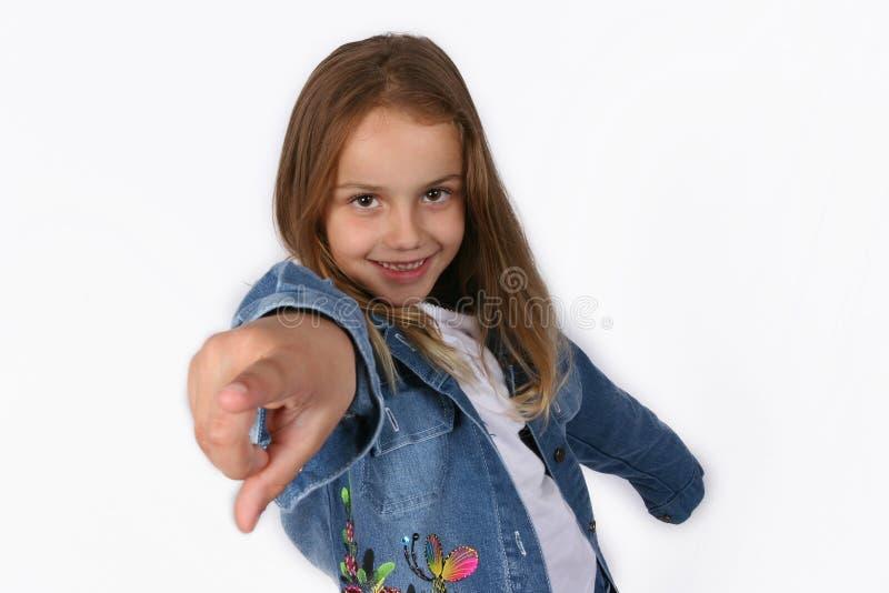 posera barn för flicka arkivfoto