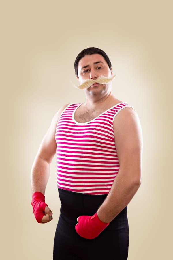 Posera för Fynny boxare arkivfoton