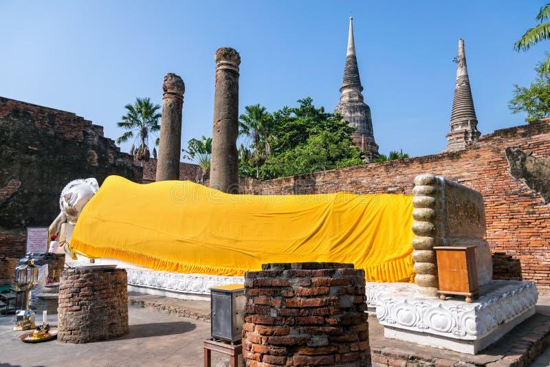 Poses da estátua da Buda no sono foto de stock