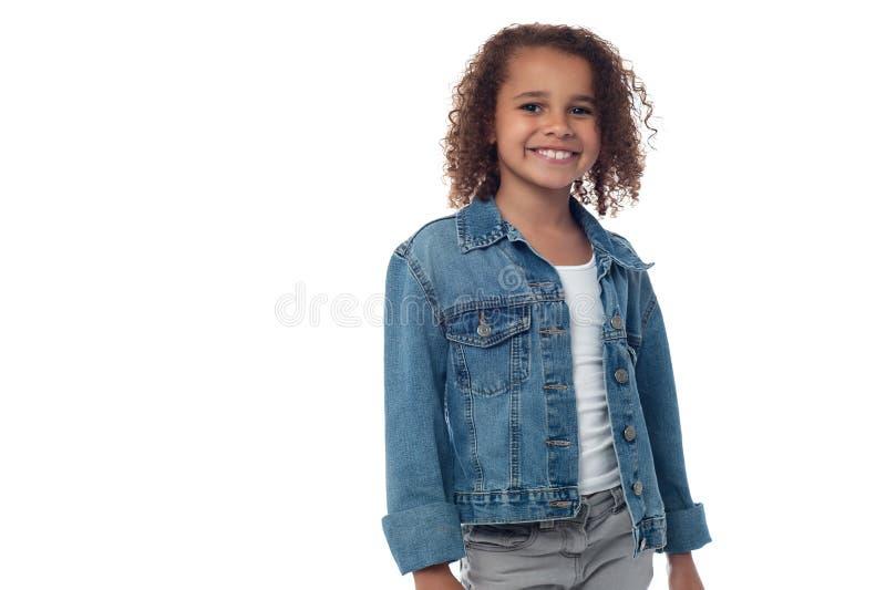 Poses da menina para uma imagem fotos de stock