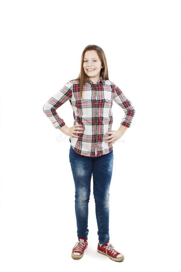 Poses de sorriso do adolescente para uma imagem imagens de stock
