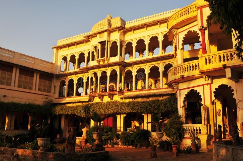 Poshina/Gujarat: Een oud maharadscha-Paleis zette in om hij royalty-vrije stock afbeelding