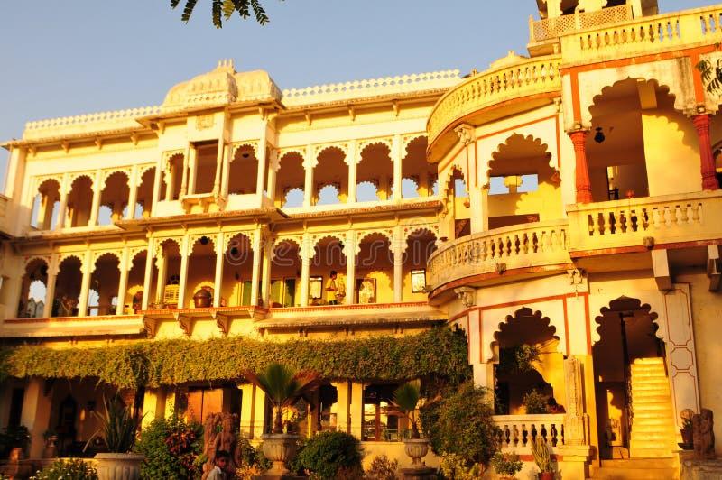 Poshina/Gujarat: Een oud maharadscha-Paleis zette in om hij royalty-vrije stock foto's