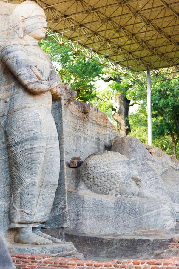 Posição coberta Buddha de reclinação Polonnaruwa fotos de stock royalty free