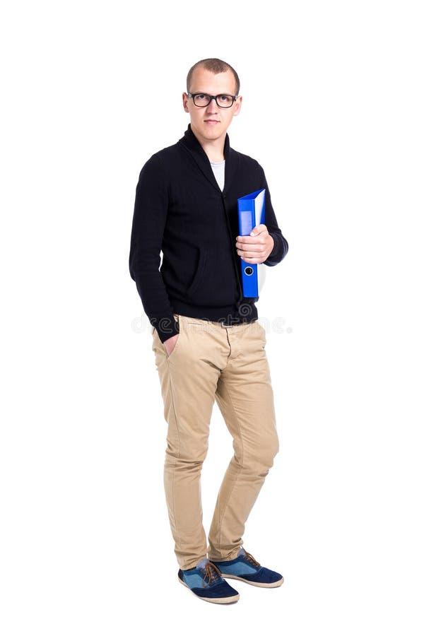Posição do estudante do homem novo ou do trabalhador de escritório isolada no branco fotos de stock royalty free