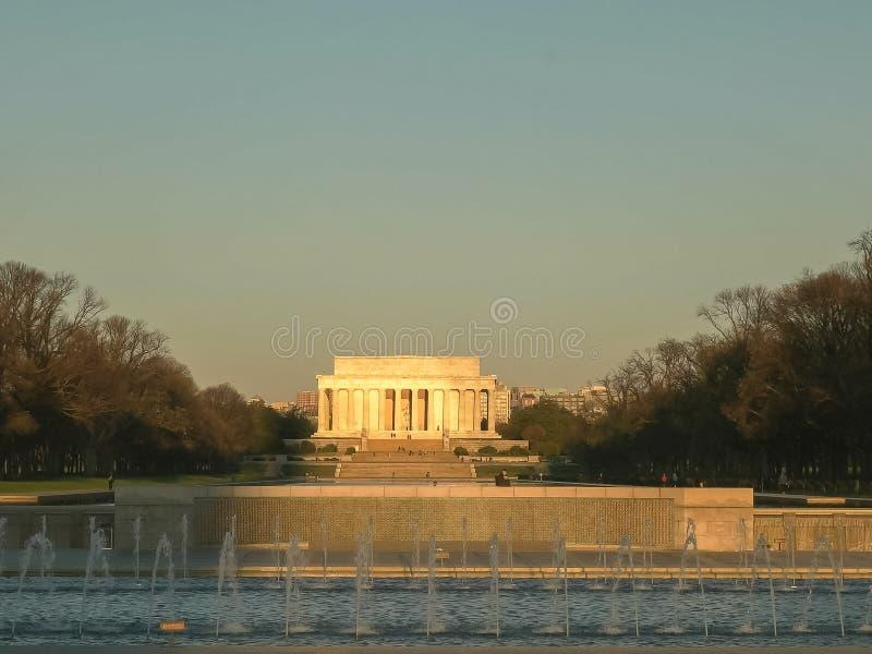 Posibilidad muy remota del Lincoln memorial en la salida del sol en Washington imagen de archivo