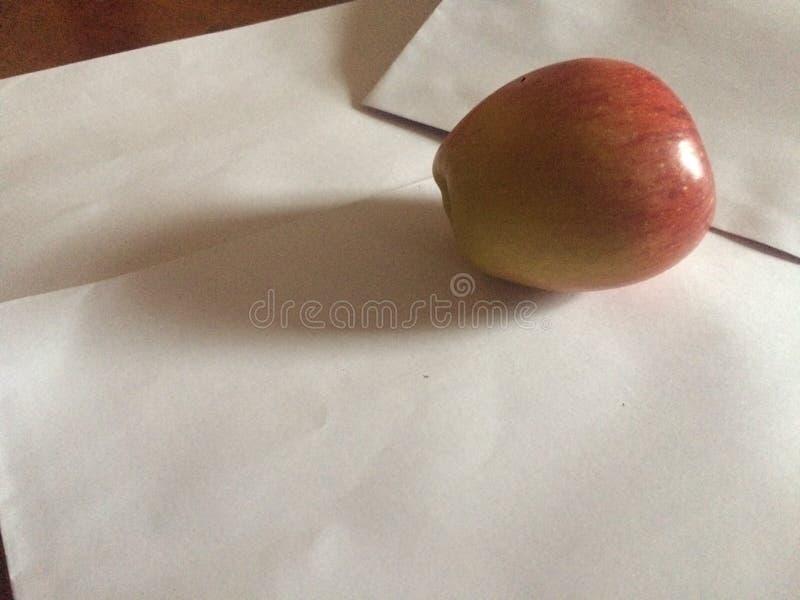 Posición asombrosa de la fruta a la pintura imagenes de archivo