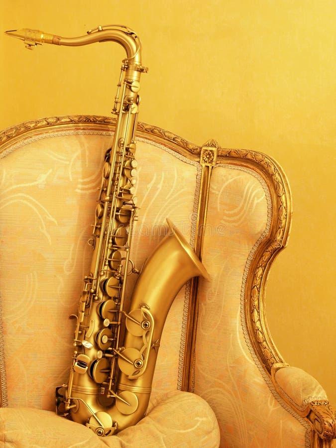 posiedzenie saksofonu zdjęcie stock