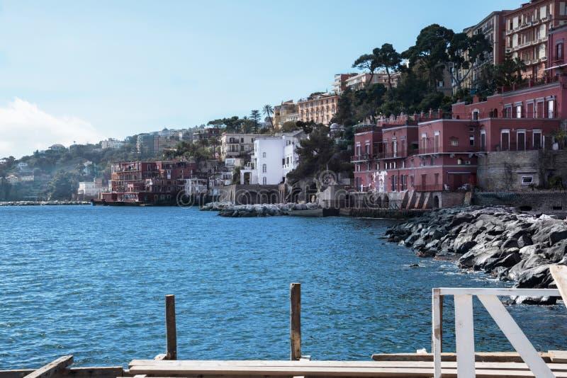 Posillipo-K?ste in Neapel stockfoto