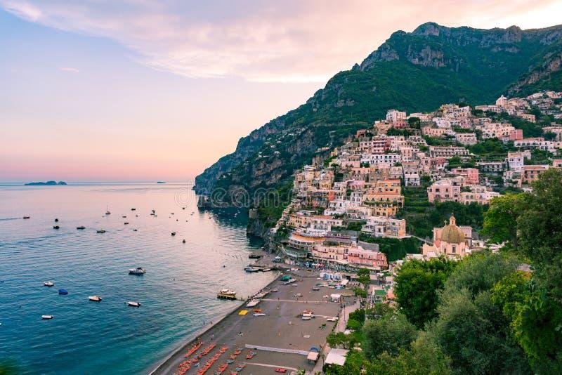 Positano, свободный полет Amalfi, Италия стоковая фотография rf
