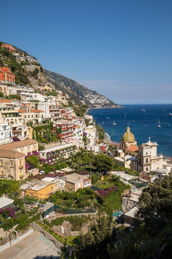 Positano colorido, la joya de la costa de Amalfi, imagen de archivo