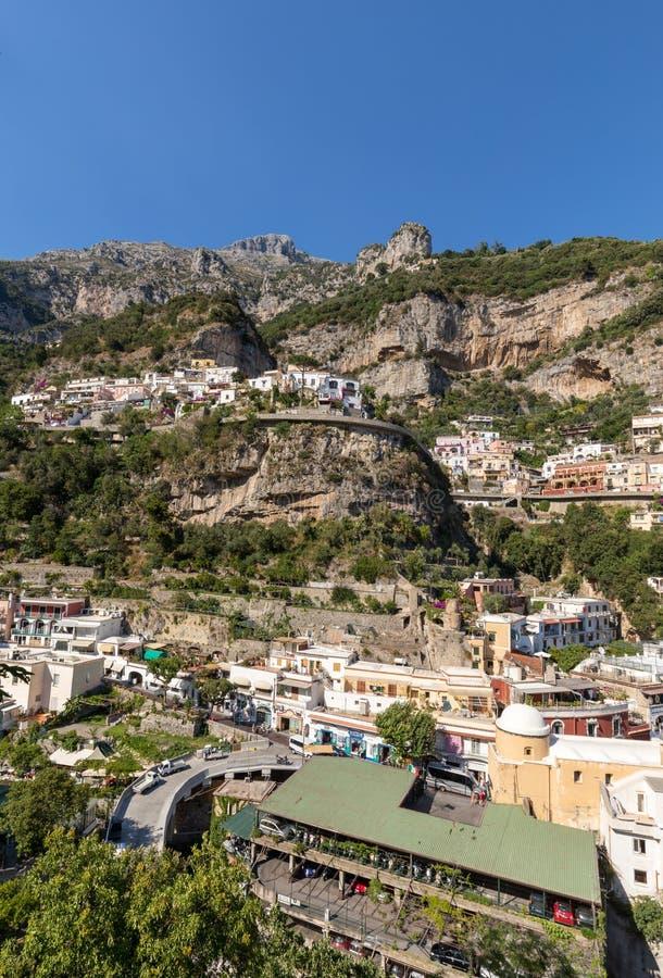 Positano colorido, la joya de la costa de Amalfi, foto de archivo