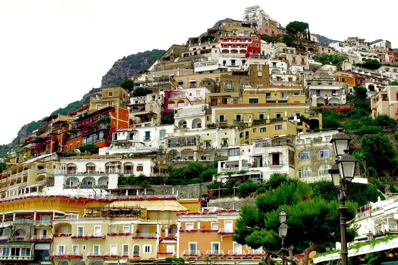 Positano-Dorf-bunte Hausansicht stockfoto