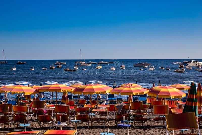 Positano plaża - Amalfi wybrzeże, Włochy zdjęcia royalty free