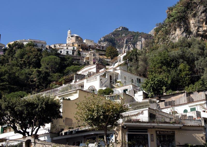 Positano, uma vila e o comune no Amalfi costeiam, no Campania, Itália imagem de stock royalty free