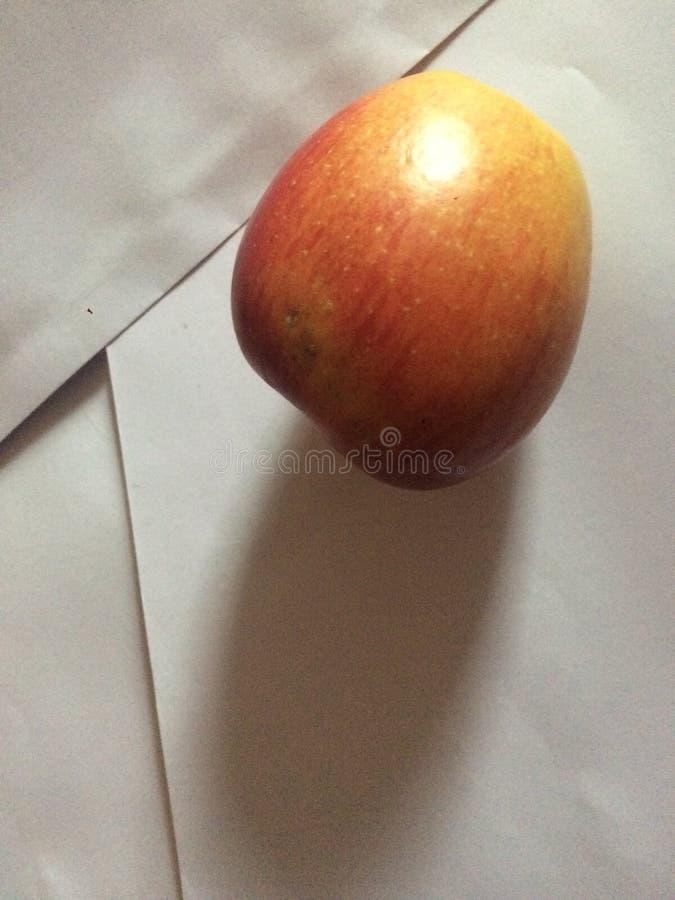 Position étonnante de fruit à la peinture image stock