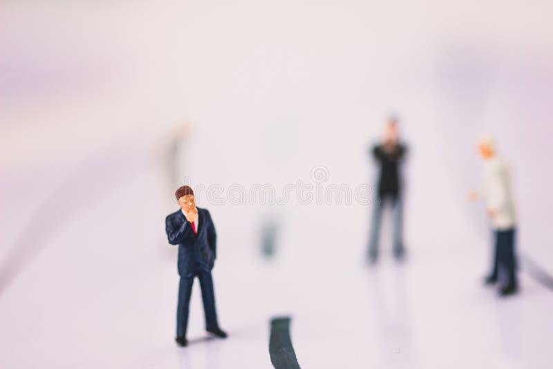 Position d'homme d'affaires sur la branche d'activité images stock